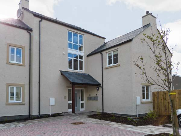 OLD LAUNDRY MEWS, stylish first floor apartment, open plan living, centre of Ingleton Ref 12643 - Image 1 - Ingleton - rentals