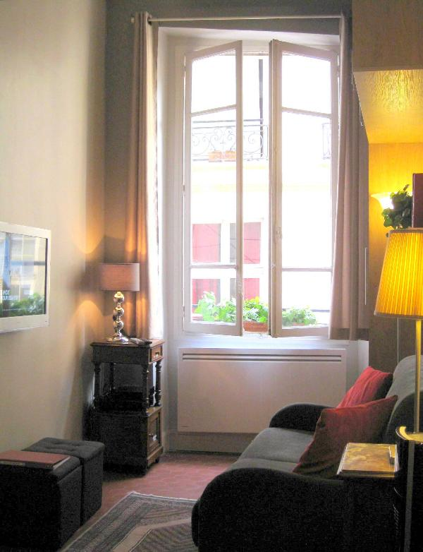 Newly renovated boutique studio with separte sleeping quarter on mezzanine - 4-Star Vacation Rental in Paris - Paris - rentals