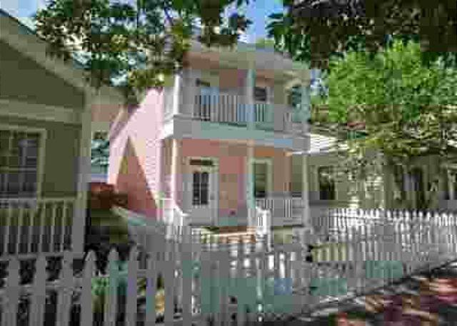 Park Avenue Cottage - Image 1 - Savannah - rentals