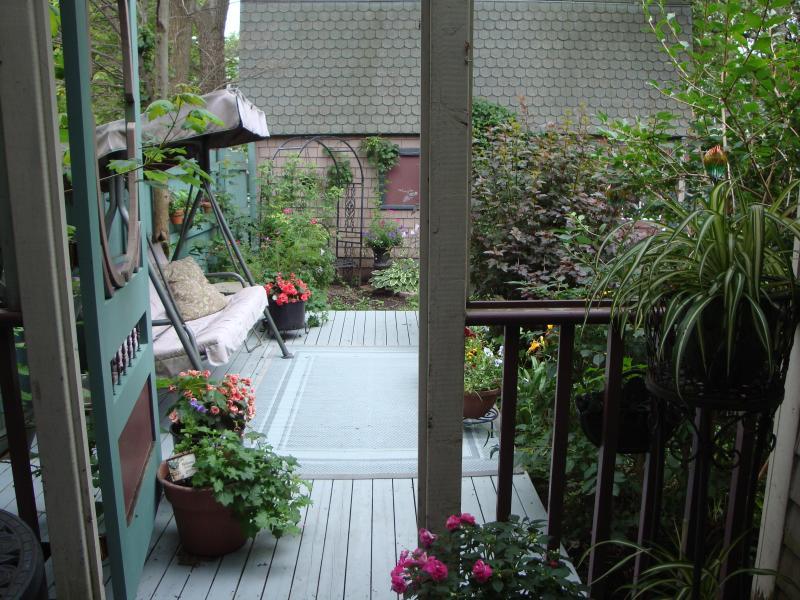 Deck overlooking the garden - 2 bedroom apartment  in the heart of Charlottetown - Charlottetown - rentals