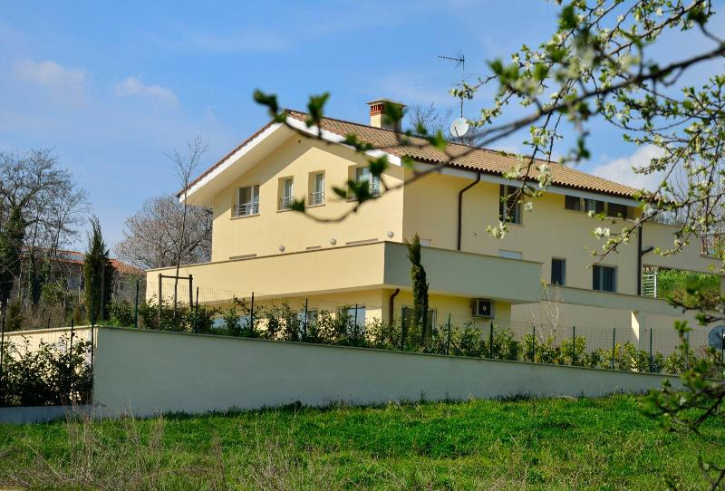 apartment in Roman countryside. Mins 30 to Rome - Image 1 - Rome - rentals