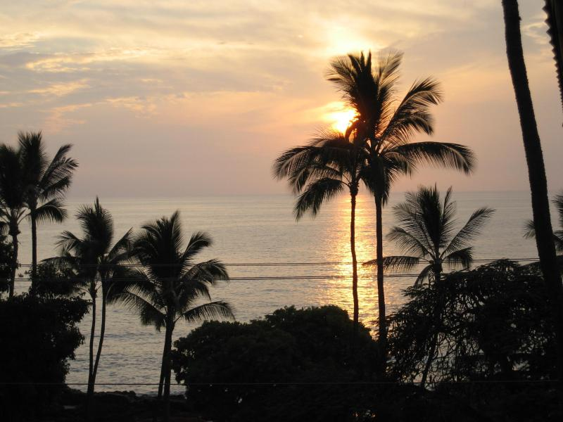 Sunset from lanai - 2 bdrm 2 ba condo across from White Sands Beach - Kailua-Kona - rentals
