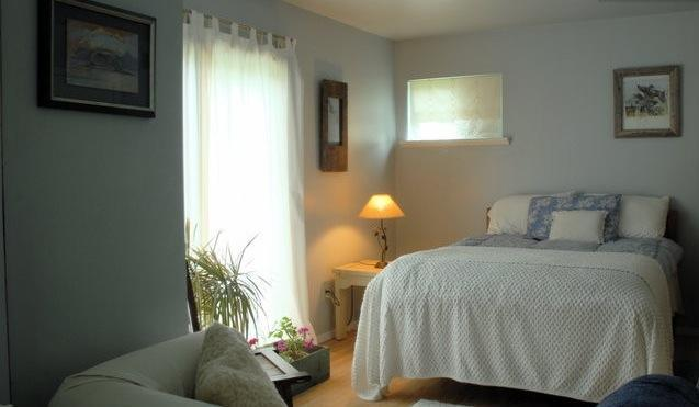 Your bedroom with double bed, sofa,sliding glass doorsl - BRIDGEHAMPTON Special, Room+Bath Suite - Bridgehampton - rentals