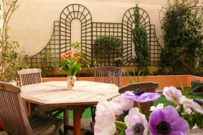 A charming apartment with a garden in the heart of the Grenelle shopping district near the Eiffel Tower - Image 1 - Paris - rentals