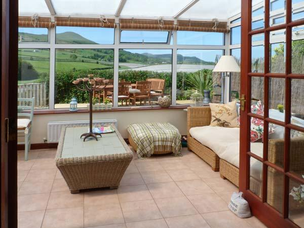 BROOK COTTAGE, woodburning stove, conservatory, decked area with countryside views in Falkland, Ref 16253 - Image 1 - Falkland - rentals