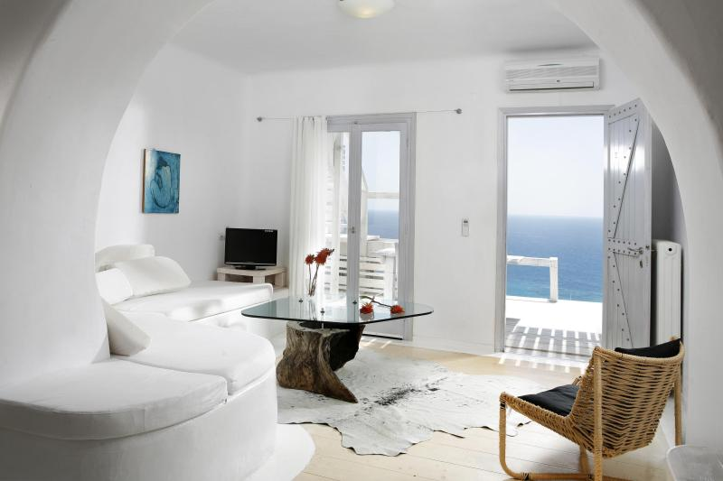 Living room and view - Superior Apartment with sea view and sharing pool - Mykonos - rentals