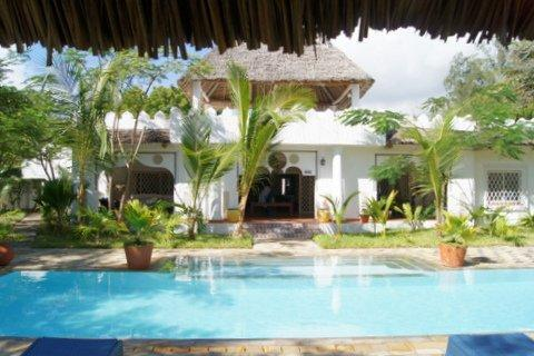 House and Pool - Luxury seaside home Kilifi Kenya - Kilifi - rentals