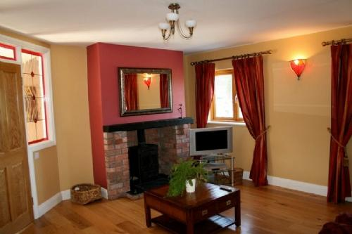 THE FORGE, Meath Country Cottages, Co Meath, Ireland - Image 1 - County Meath - rentals