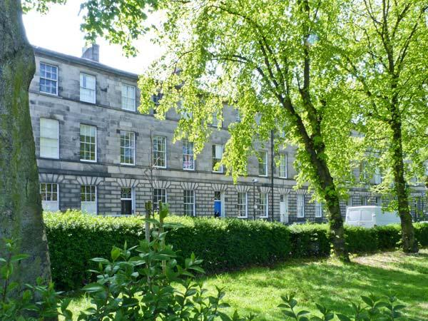 5 BELLEVUE TERRACE first floor apartment in centre of vibrant city of Edinburgh Ref 14663 - Image 1 - Edinburgh - rentals