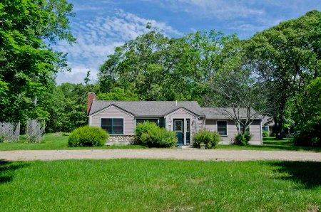 COUNTRY CAPE IN WEST TISBURY - WT DTOC-141 - Image 1 - West Tisbury - rentals