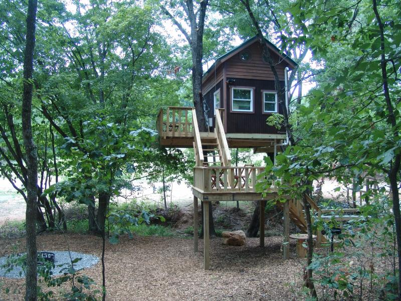 Maple Oak tree house - Tree House Vacations in the Shawnee Forest! - Karbers Ridge - rentals