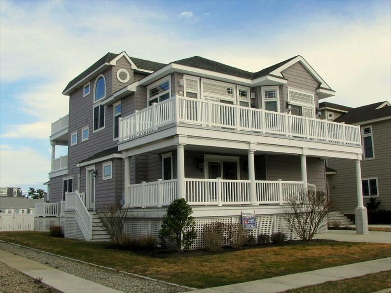 213 76th Street, Avalon, NJ Beach Vacation House Front Exterior - 213 76th Street in Avalon, NJ - ID 408823 - Avalon - rentals