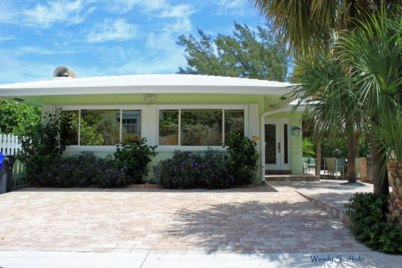 Welcome to Footprints by the Beach - Footprints by the Beach in Hollywood, FL - Hollywood - rentals