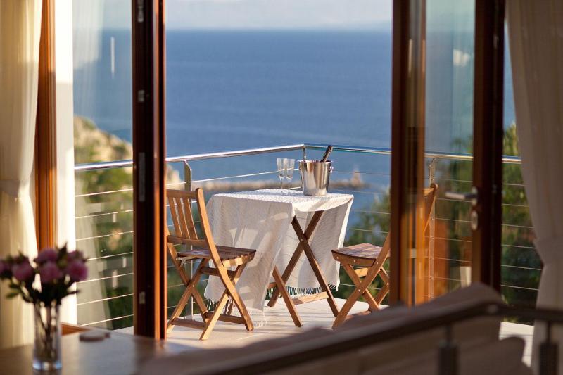 Beautiful sea views - Loggos Retreat - Luxury 3 Bedroom Villa with Pool - Loggos - rentals