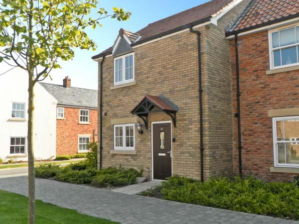 DRIFTWOOD, family accommodation, two bedrooms, pet friendly, in Filey, Ref 16099 - Image 1 - Filey - rentals