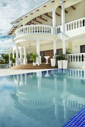 Luxury Villa with Infinity Pool and Ocean View - Image 1 - Glacis - rentals