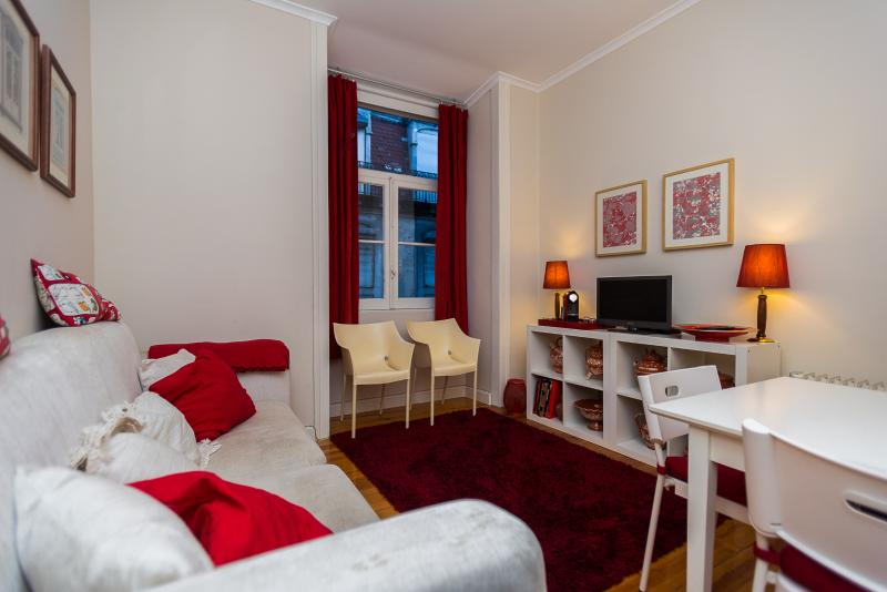 Apartment in Lisbon's heart - Image 1 - Lisbon - rentals