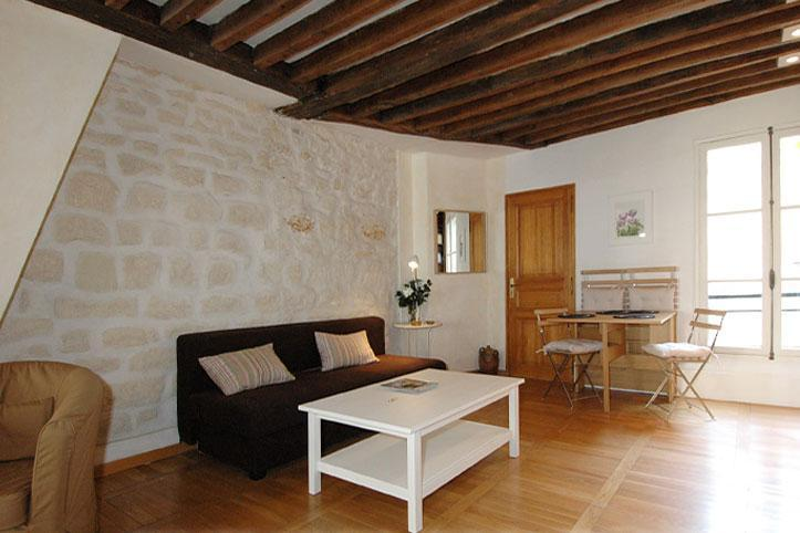Authentic Marais Temple apartment 50m2 4 sleeps - Image 1 - Le Cannet - rentals
