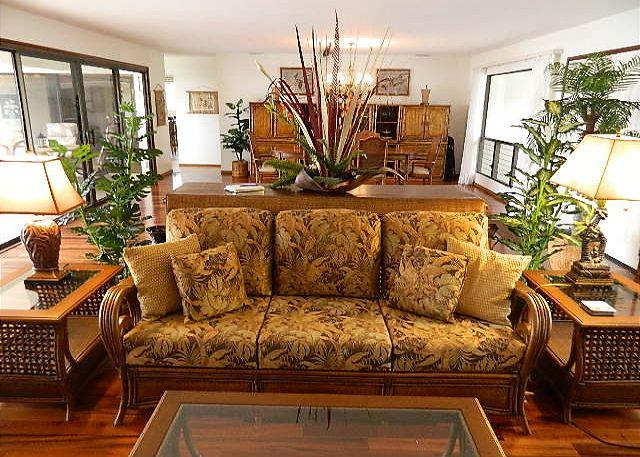 Living Room - Heavens, Spaciouis 4 Bedroom with Pool and Great Ocean Views-PHHeaven - Kailua-Kona - rentals