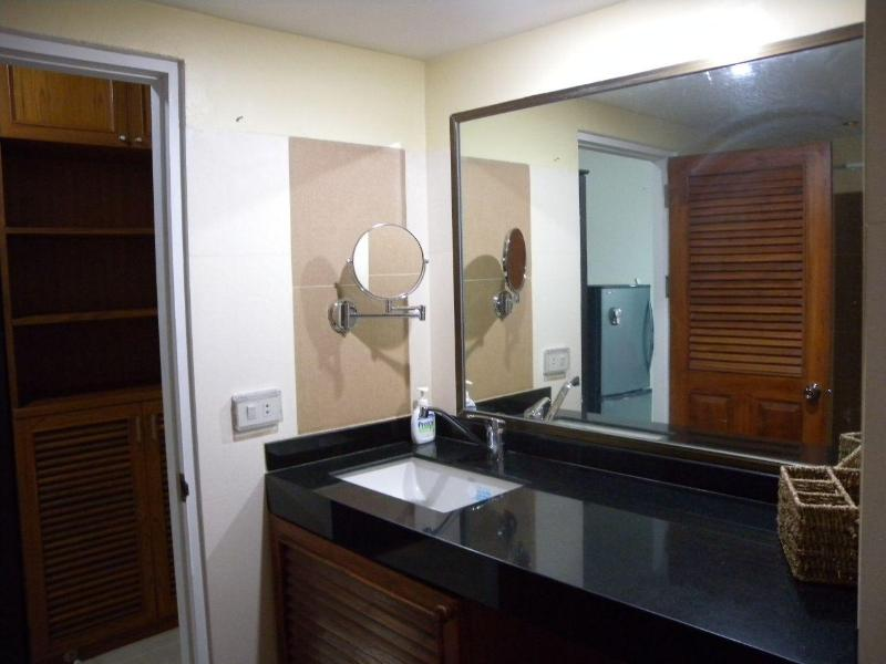 Great apartment, newly renovated, super location - Image 1 - Chiang Mai - rentals