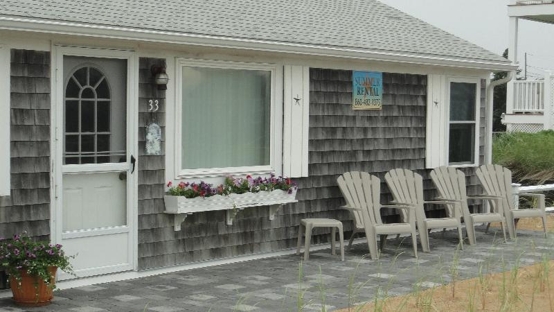 West Dennis, MA - 200 ft to Private ocean beach! - Image 1 - West Dennis - rentals
