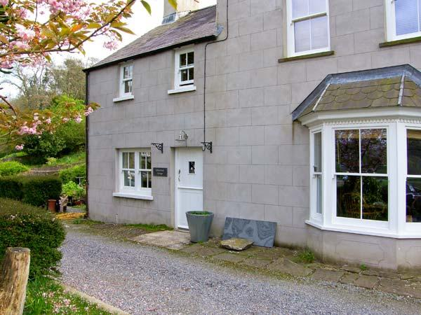 LABURNHAM COTTAGE, waterside location, ideal family base in Cresswell Quay, Ref 16371 - Image 1 - Cresswell Quay - rentals