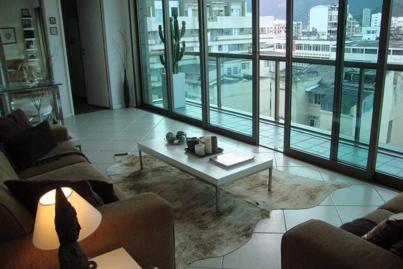 Astonishing 2 Bedroom in Tiffany's building!!!! - Image 1 - Rio de Janeiro - rentals