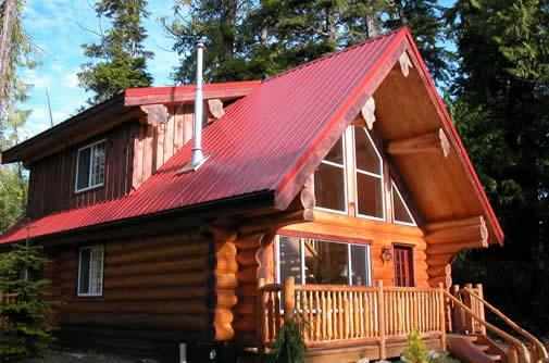 Willowbrae Chalet / Hot Tub / Walk to Beach - Image 1 - Ucluelet - rentals
