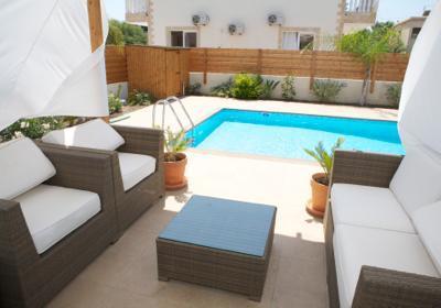 Relax by the pool - Impressive 4 bed villa w/pool Nissi Beach Cyprus - Ayia Napa - rentals