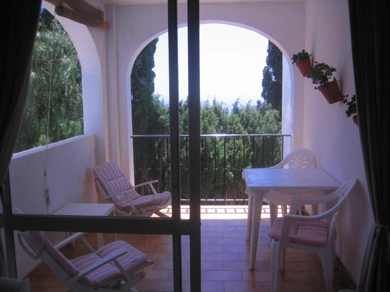 Balcony with table and chairs - Apartment in beautiful Mijas village - Mijas Pueblo - rentals