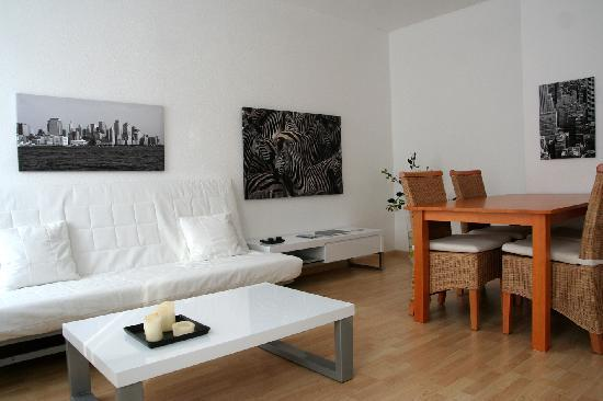 Vacation Apartment in Leipzig - 753 sqft, comfortable, modern, free WIFI (# 2908) #2908 - Vacation Apartment in Leipzig - 753 sqft, comfortable, modern, free WIFI (# 2908) - Leipzig - rentals