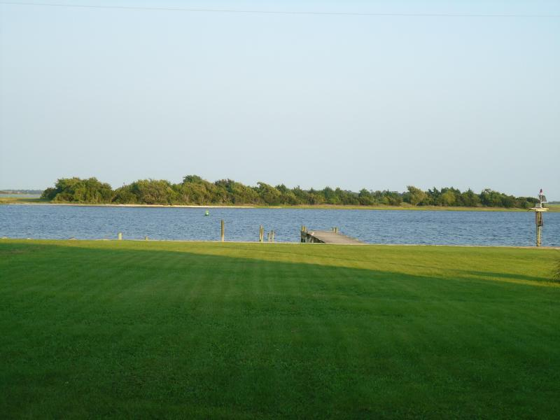 View of Intercoastal from front lawn - Swansboro, NC on the Intercoastal waterway - Swansboro - rentals