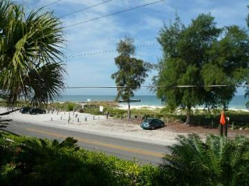 view of our beach a stones throw away! - SAVE $400/wk!Steps to beach-Dock SERENE WiFi Bikes - Bradenton Beach - rentals