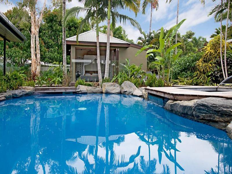 Beach Daze - Image 1 - Port Douglas - rentals