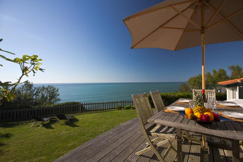 Award-winning Oceanfront 2 Bedroom Villa - Image 1 - Bidart - rentals
