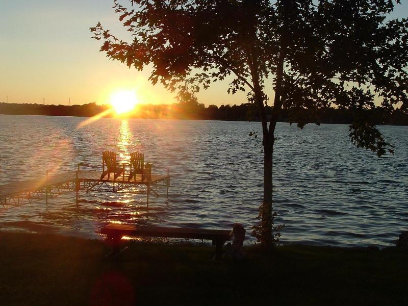 Sunset in Paradise! - Peaceful Orillia Lakefront Paradise on Lake Simcoe - Orillia - rentals