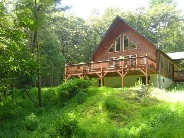 Front of House - Chalet with Pond, Fireplace, Hot Tub, and Free WiF - Dingmans Ferry - rentals