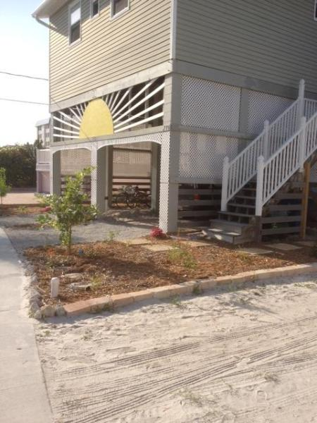 Sunrise Beach Cottage - Sunrise Beach Cottage - Steps to Times Square! - Fort Myers Beach - rentals