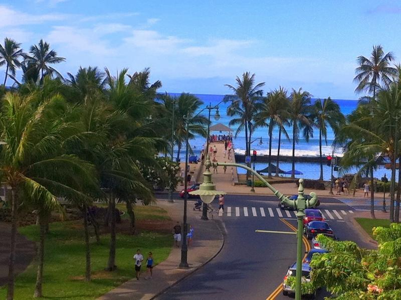 Ocean & Beach view from the lanai - Prime Location- Ocean/Diamond Head View/Free Wifi - Honolulu - rentals