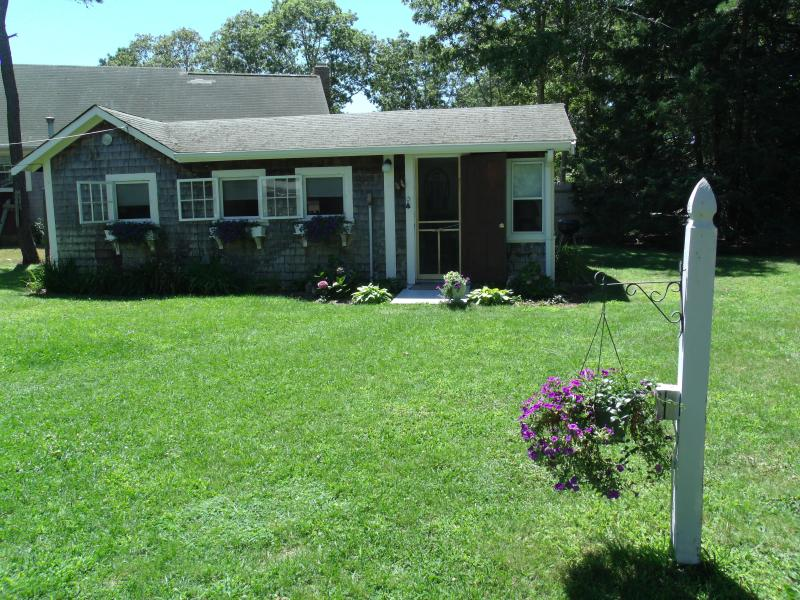 Outside front view - Quaint Summer Cottage - South Yarmouth - rentals