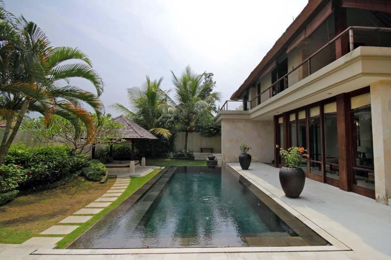 Exterior and Pool - Sayang Estate - Ubud - rentals