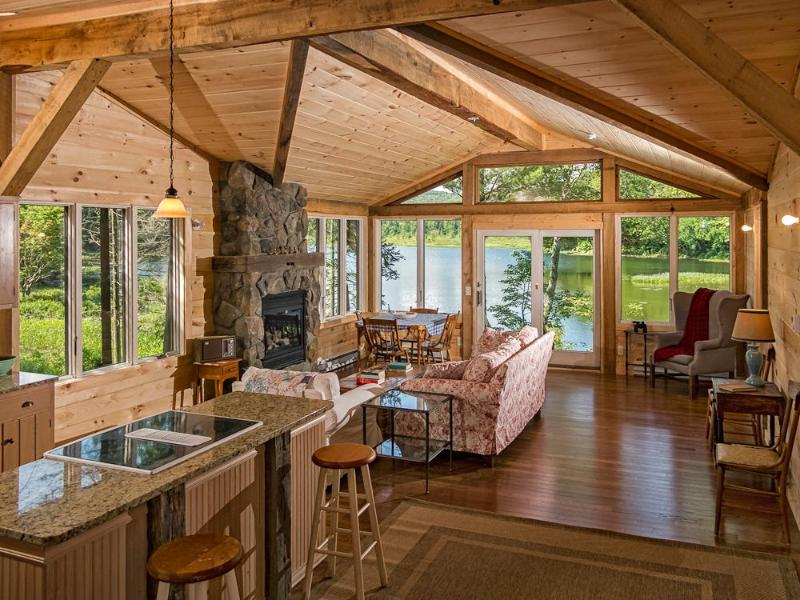 Open Floor Plan with GREAT Views! - Romantic Private Waterfront Cabin - Great Views! - Piseco - rentals