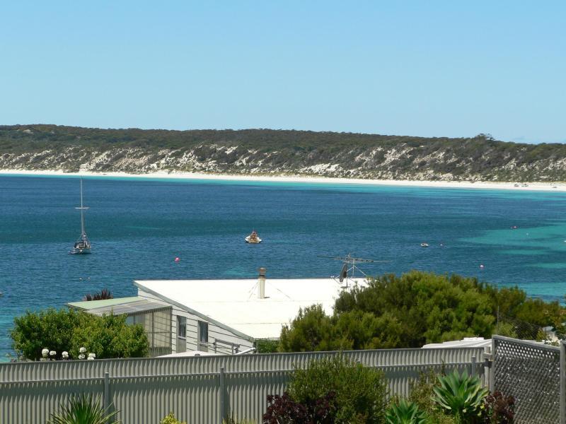 Stunning beach & ocean views from the sundeck - Fareview Beach House - Emu Bay - KANGAROO ISLAND - Kangaroo Island - rentals