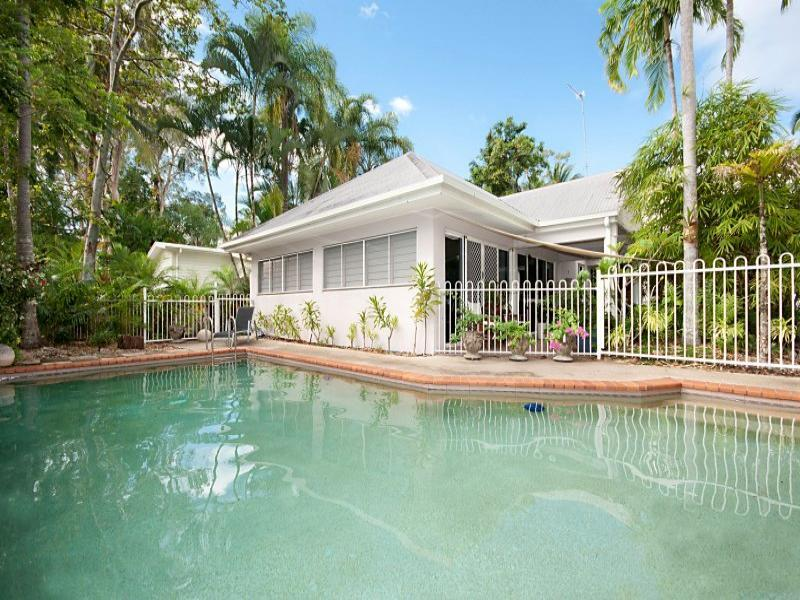 2/7 Langley Road, Spinnakez - Image 1 - Port Douglas - rentals