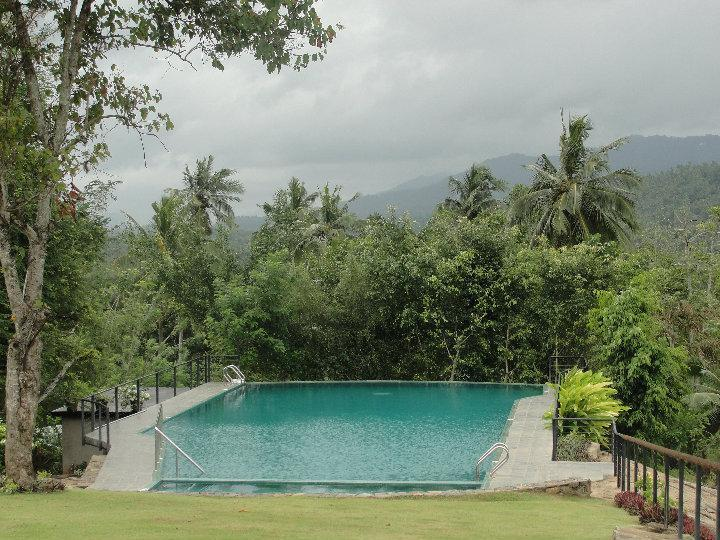 Swimming pool - Victoria  Holiday Bungalow in Kandy, Sri Lanka - Kandy - rentals