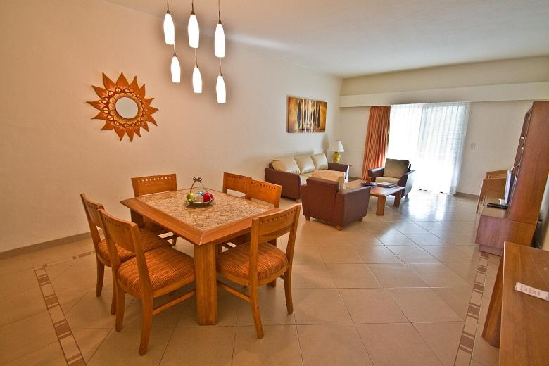 Riviera Maya Suites Penthouse 2 bedroom.Free Wifi. - Image 1 - Playa del Carmen - rentals