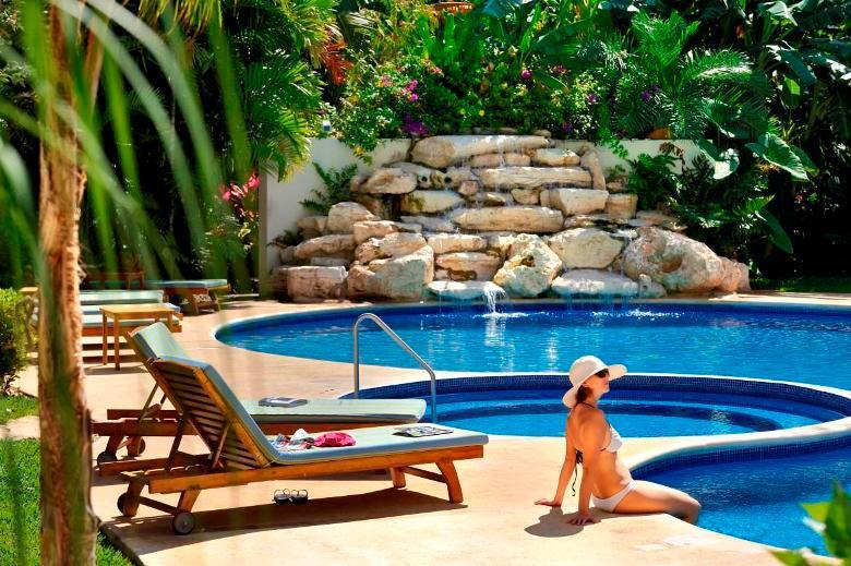 Palmar del Sol 207. 2 Bedroom apartment. 5th avenue view. - Image 1 - Playa del Carmen - rentals