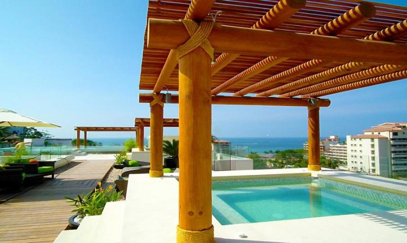 Rooftop shared Jacuzzis on terrace with 360degree view on ocean, bay and mountains - on reservation - Amazing New 5* 1BR 2BA 5min to beach Fab Pool&View - Puerto Vallarta - rentals