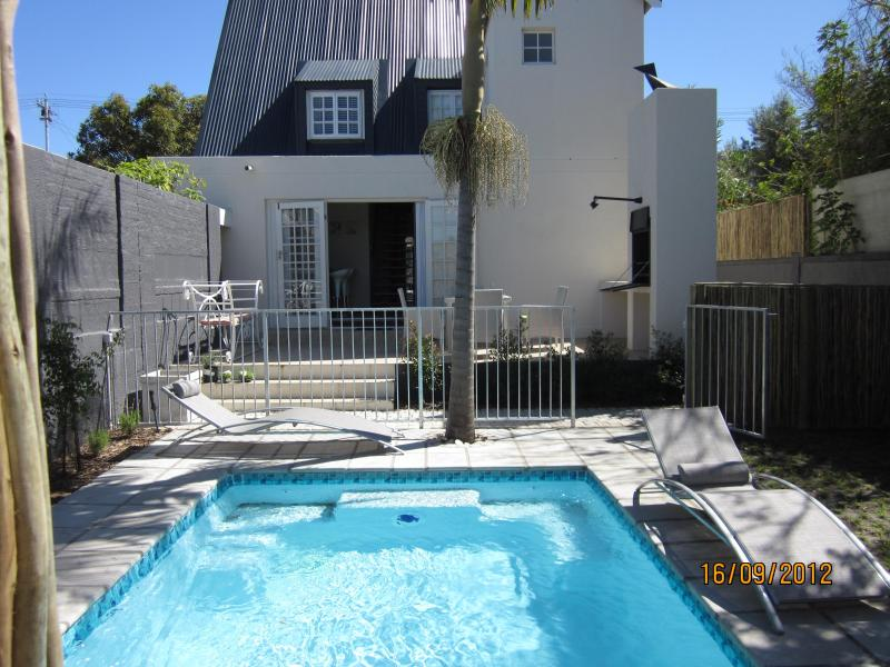 Quainton Cottage - Pool area - Quainton Guest Cottages - Hermanus - rentals