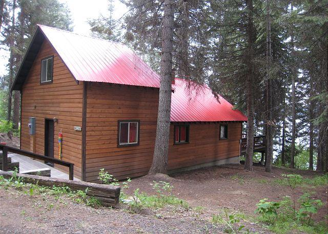 Beth's Lakeside- Charming Cabin on Payette Lake with Private Dock - Image 1 - McCall - rentals